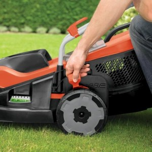 Black-Decker-15-Inch-Corded-Mower-with-Edge-Max-0-2